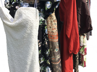 Second hand women's dresses sorted used clothing mix package