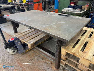 Auction: welding table