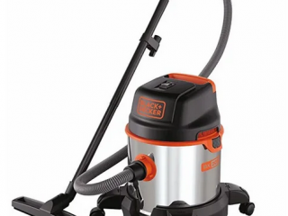 NEW   Industrial vacuum cleaners (e.g. Black + Decker)   with original packaging