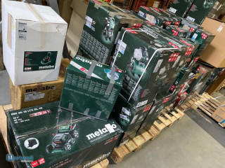 Set of Metabo and Bosch power tools.